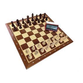 Profesjonalny Zestaw Turniejowy nr 3: szachownica drewniana, intarsjowana nr 6 + figury drewniane Staunton nr 6/II + zegar elekt